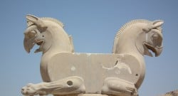 Statue at Persepolis by Ali Solaymani from Pixabay