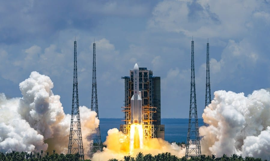 A Mars probe is launched on a Long March-5 rocket from the Wenchang Spacecraft Launch Site in south China's Hainan Province, July 23, 2020. Image: Xinhua and Cai Yang